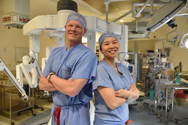Drs. Christopher Amling and Jen-Jane Liu are urologic oncologists — experts in urology and cancer who specialize in surgery. They have advanced skills in robotic surgery, offering exceptional precision.