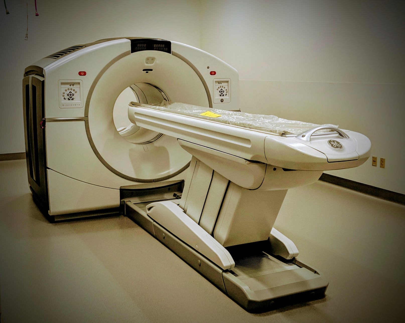 GE Discovery MI PET/CT Scanner
