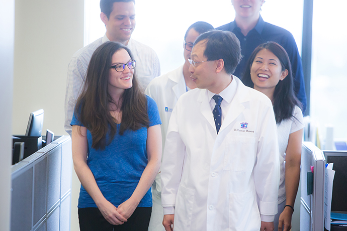 Dr. Hwang and residents at OHSU Casey Eye Institute
