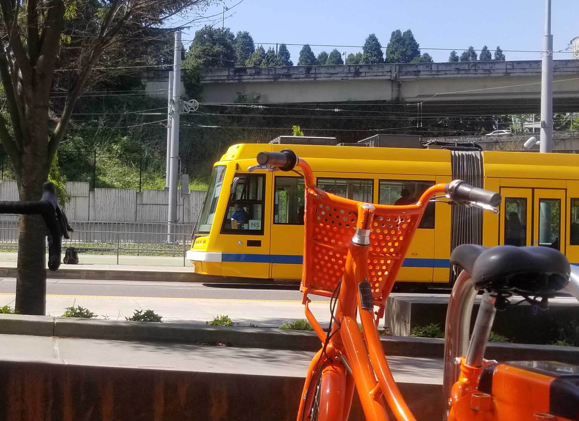 Streetcar and biketown at South Waterfront