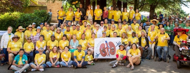 Group photo of kidney transplant recipient at an Annual Picnic