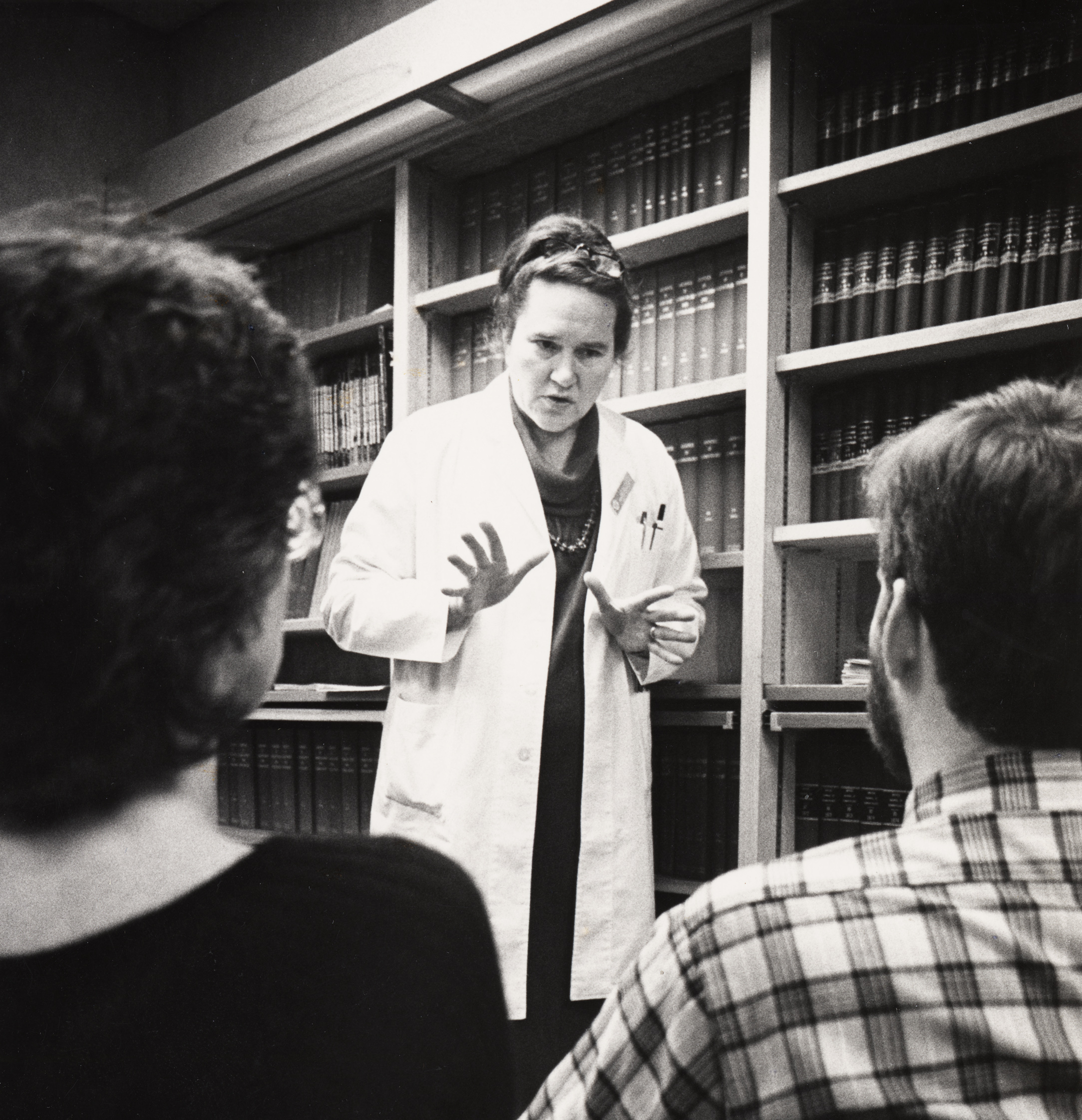 Dr. Storrs teaching students, circa 1980s, Historical Image Collection.